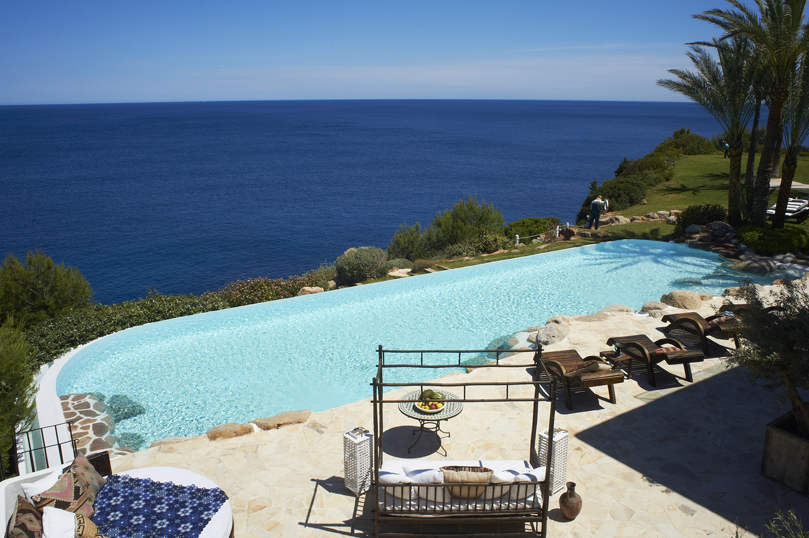 Main-Guest-house-pool-2