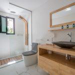VILLA VALERIA - Midnight Blue Suite Bathroom