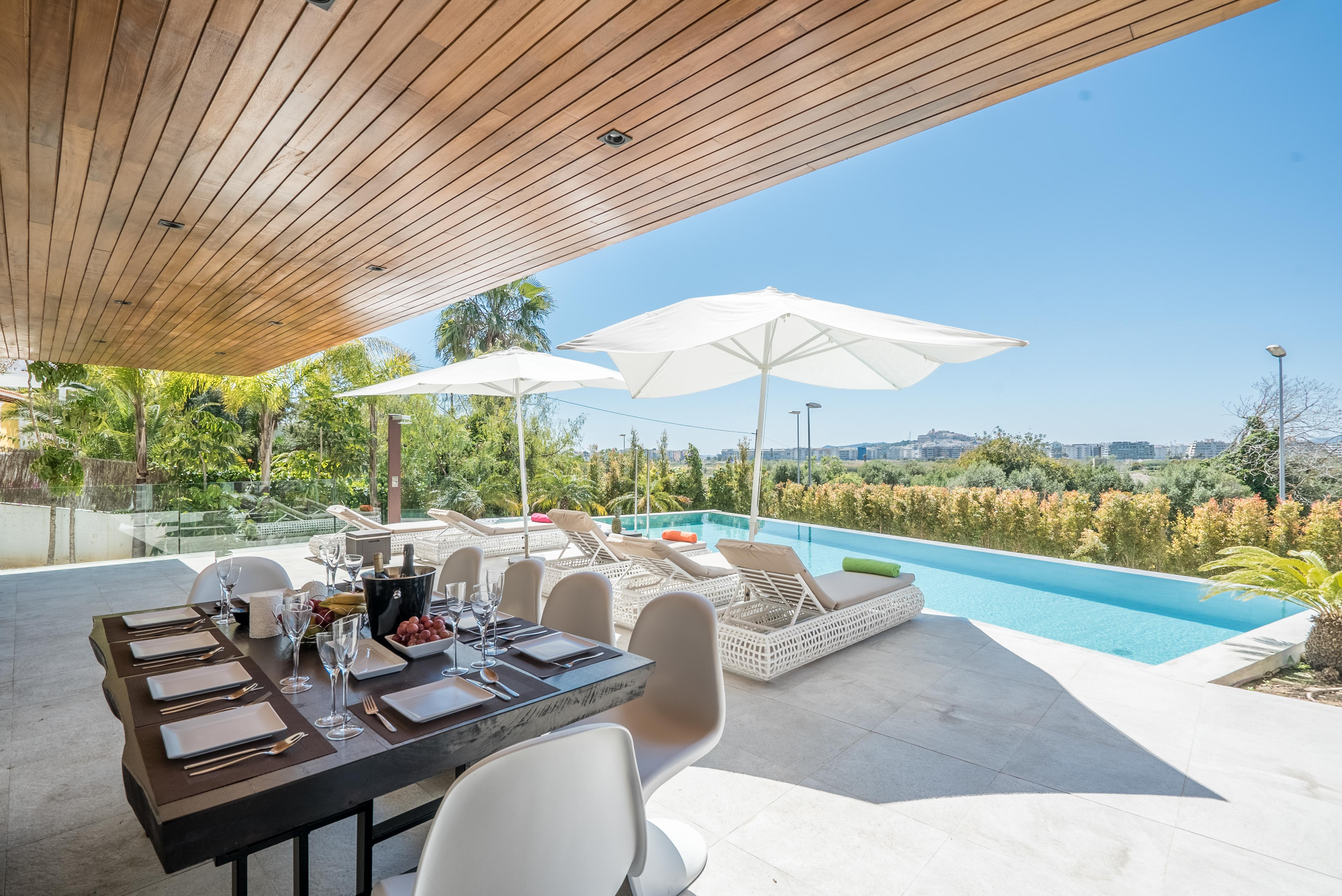 VILLA VALERIA - Outdoor Dining _ Breakfast Area