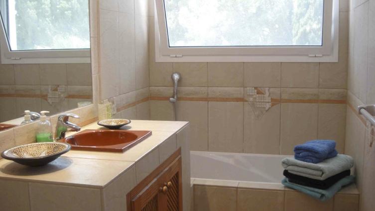 habitacion doble planta baja+baño 6